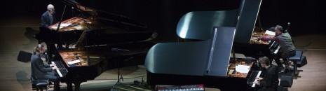 4 Pianos