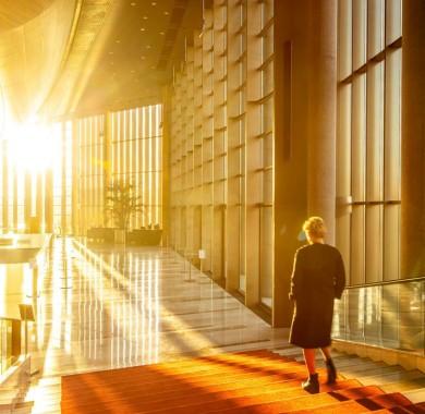 Napfény járja át a szívünk újra! (Fotó: @balinthirling ) #Sunshine #Monday #MüpaBudapest #Müpa #Budapest #Hungary #Concerthall