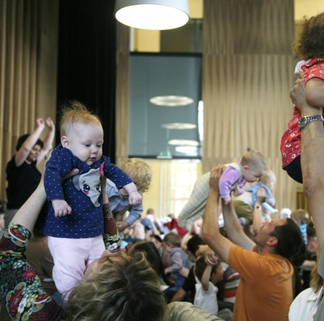 Sing-along-baby - musical activities for small children