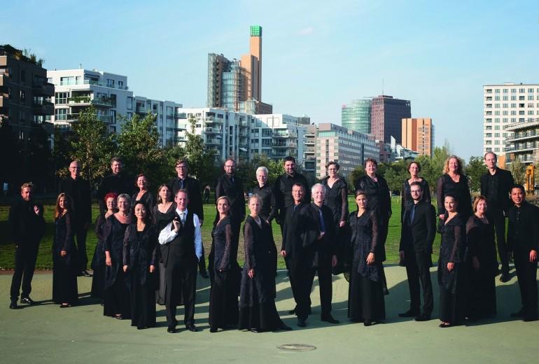A RIAS Kammerchor Berlin és az Amadinda Ütőegyüttes
