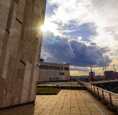 A vendég, akit a héten csak most láthattunk el?ször: a Nap! #Sunshine #October #MüpaBudapest#Müpa#Budapest#Hungary#Concerthall