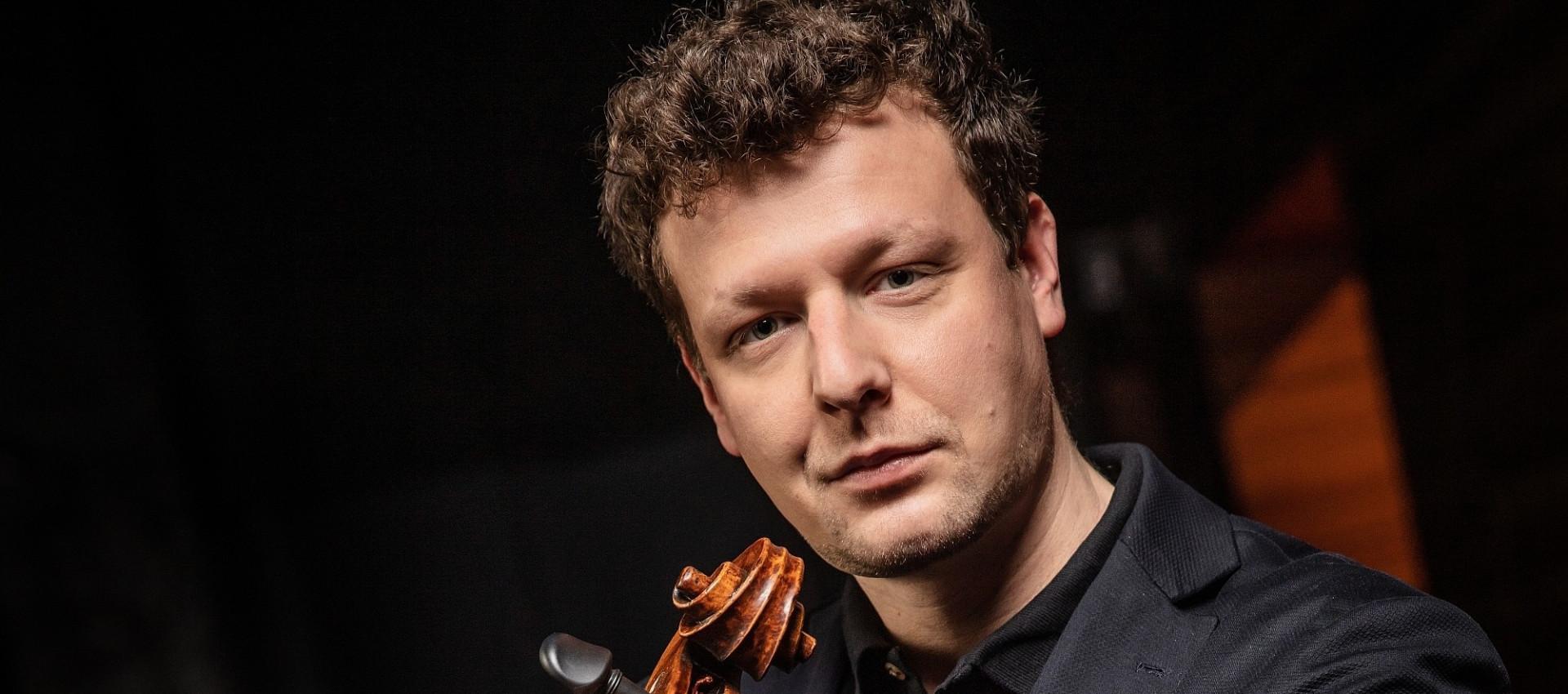 Várdai István és a Nemzeti Filharmonikus Zenekar